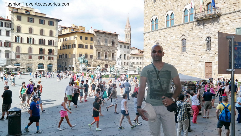 Fashion_Travel_Accessories_Florence_Travel_Blog_What-To_See_In_Florence_Italy_Follow_Me_Around_Travel_Vlog_Walking_Tour_8