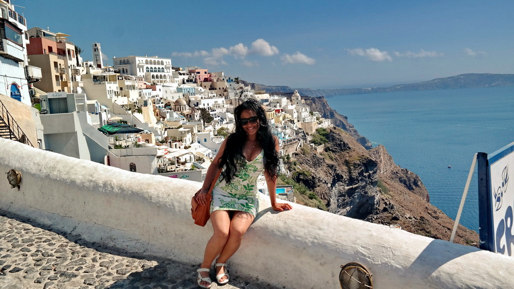 Best-Sandals-For-Walking-in-Europe-Travel-Greece-Santorini-Everday-Wear-Ecco