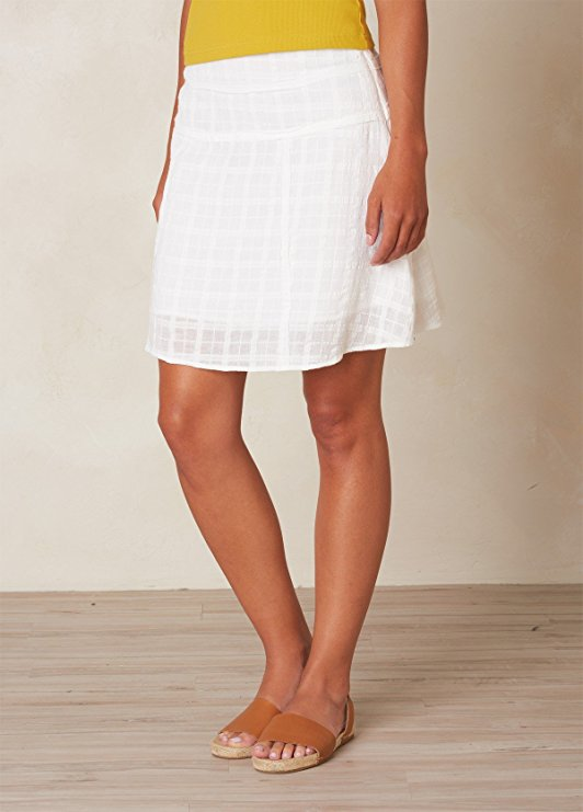 Best Travel Skirt and Travel Dresses: Comfortable and Stylish